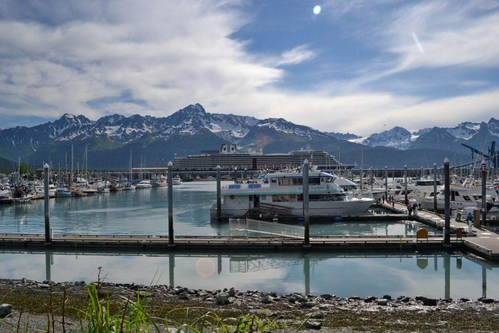 Prístav Seward pomenovaný po ministrovi zahraničných vecí z roku 1867, ktorý vyjednal kúpu Aljašky od Ruska