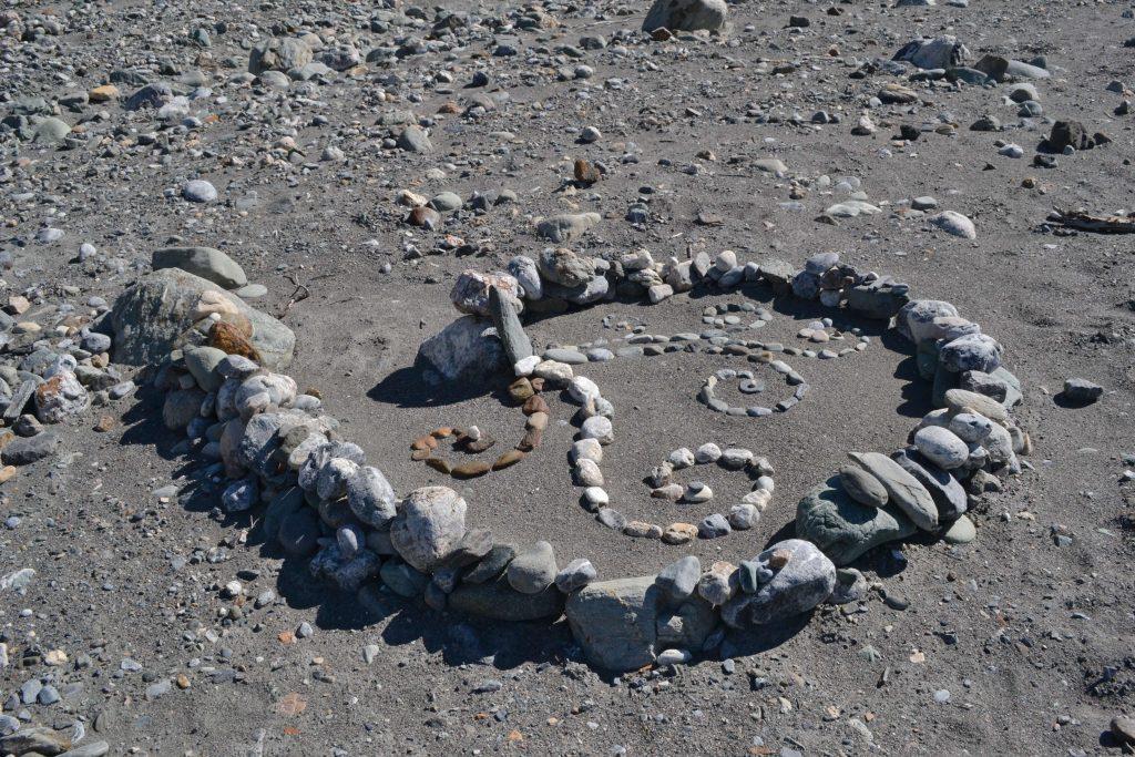 Indiani veria, že kamienky na brehoch sú duše mŕtvych predkov. Niekde je dokonca zakázané ich zbierať