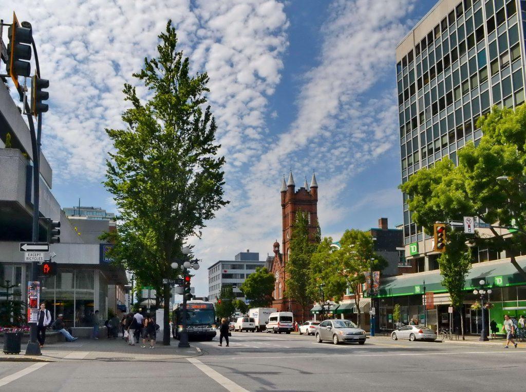 Ulice, kde sa snúbi veľmi mladá história so súčasnosťou
