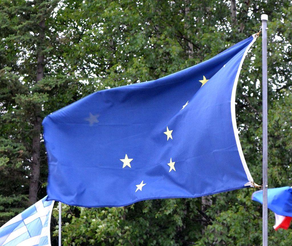 Aljašska vlajka. Veľký voz a Severka