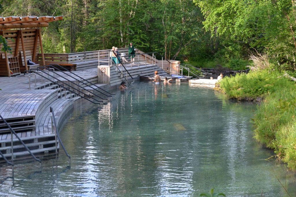 Hot Springs Laird. Horný bazén s vodou nad 40 °C