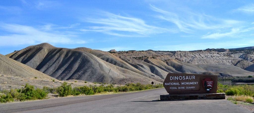 Planina s dinosaurími kosťami.