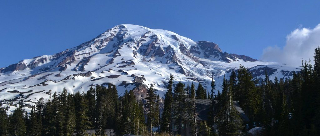 Mount Rainer 4.420 m vysoký vulkán